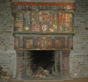 la cheminée du rez-de-chaussée maintenant installée au château de Pontivy