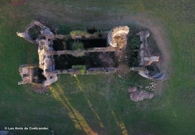 vue aérienne du château de Coetcandec